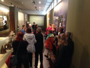 Visite l'exposition «La vraie vie est ailleurs ! «