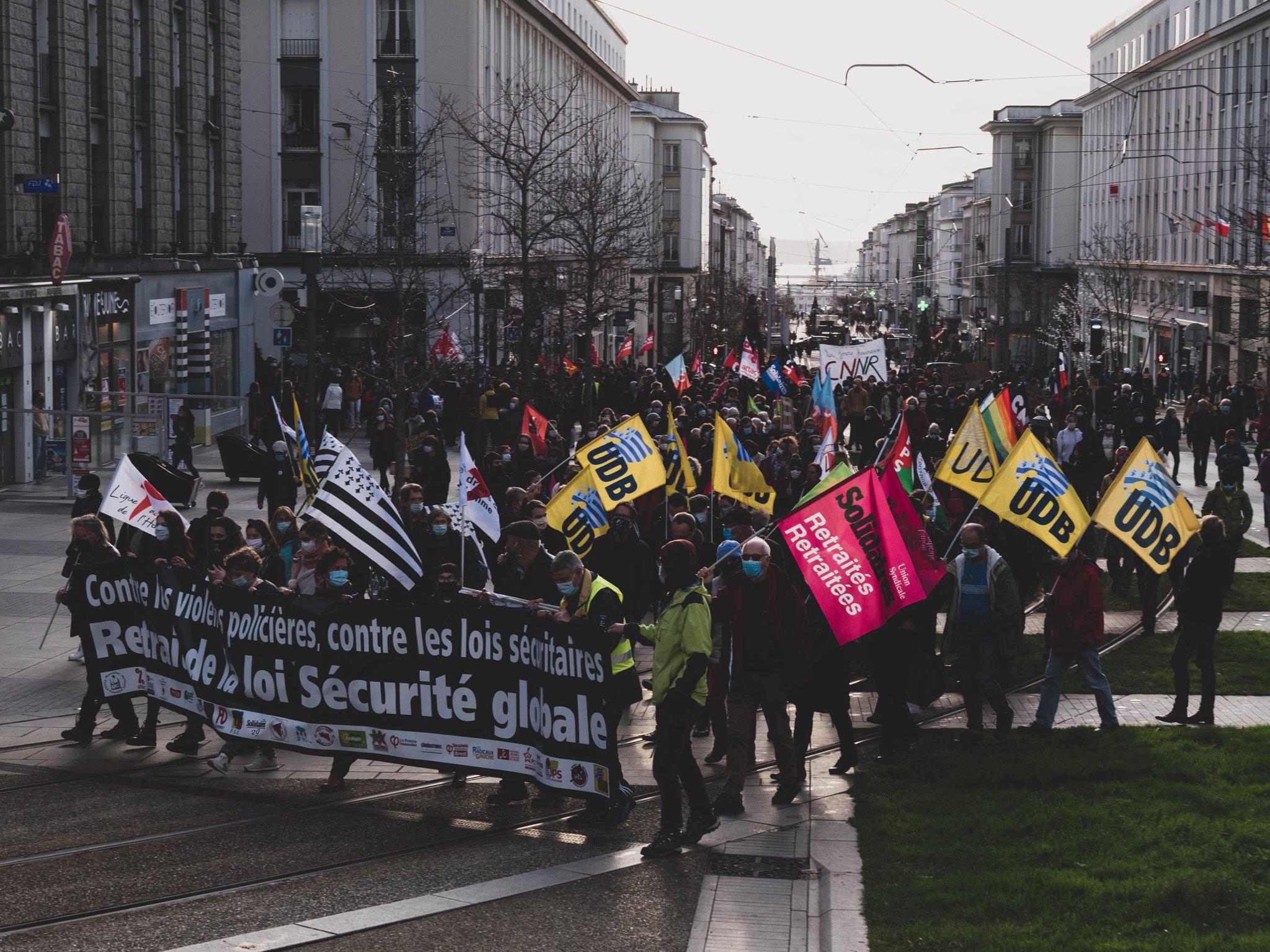 Samedi 19 décembre – Appel à un rassemblement place de la Liberté. Contre la loi de sécurité globale : la mobilisation continue !
